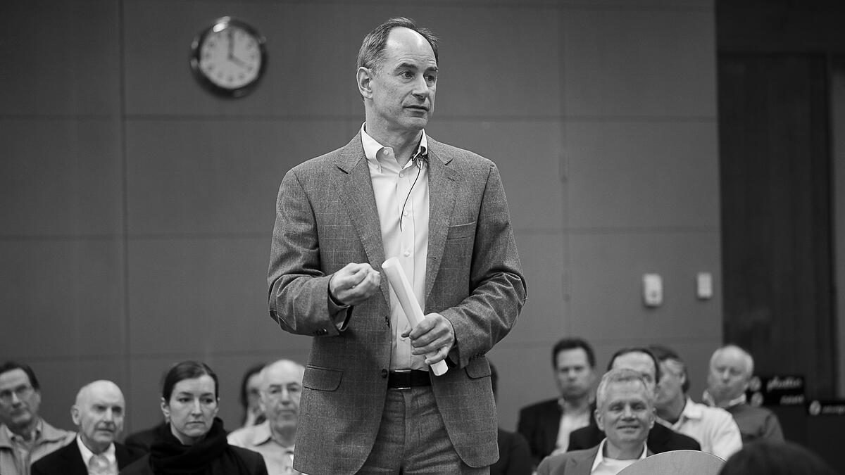 Roger Martin | 2 Choices to Make in Strategy